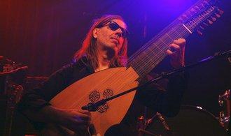 Kytara mě omrzela, říká loutnista Jozef van Wissem
