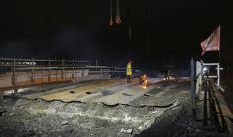 Železniční most u Edenu zmizel. Nahradí jej nový