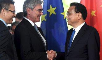 Čína investuje výrazně více v Evropě než ve Spojených státech, uvádí studie