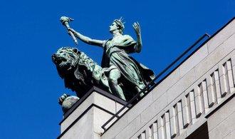 Růst akcií potěšil centrální bankéře. Miliardy korun vydělala i Česká národní banka