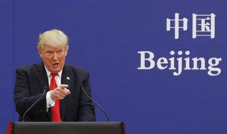 Trump uvalil cla na čínské zboží v hodnotě více než bilionu korun