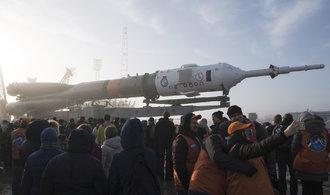 Sojuz se vznesl k mezinárodní vesmírné stanici. Podívejte se na přípravy startu