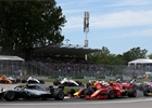 F1 se podle Hamiltona v porovnání s jinými sporty zasekla v době kamenné