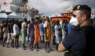 Státy zatížené migrační krizí možná získají od EU více peněz