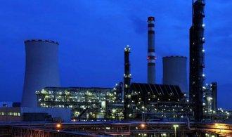 �esko doveze rekordn� m�lo ropy, kv�li hav�ri�m v rafineri�ch se dov�ela hotov� paliva