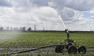 Česko dá desítky miliard na boj proti suchu, v úvahu připadá také zdražování vody