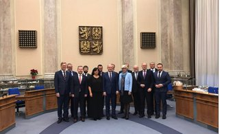 Zvysoké politiky odchází šest ministrů, část z nich se vrátí do Poslanecké sněmovny