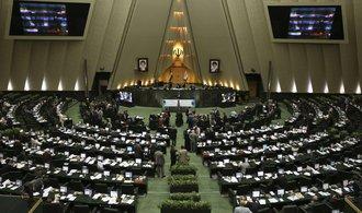 Írán bude dál pokračovat v testování raket. I přes americké sankce