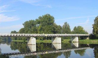 Břehy Labe spojí nový most, Ředitelství vodních cest do něj investuje stovky milionů
