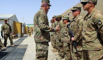 Spojené státy si v Sýrii ponechají vojáky, nechtějí podpořit Asada a Írán