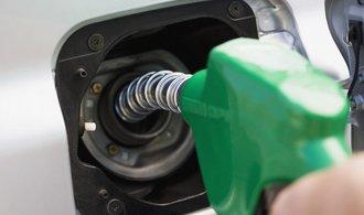 Pohonné hmoty v Česku zdražují, nejvíce nafta