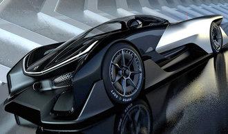 Číňané chtěli supermoderním elektromobilem konkurovat Tesle, dnes jsou před krachem
