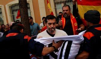 Barcelona demonstruje. Policie pracuje na příkaz Španělů, stěžuje si katalánský premiér