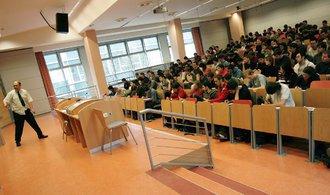 Místopředseda Rady vysokých škol: Opisování diplomky je podvod jako každý jiný