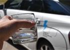 Poprvé s vodíkovou Toyotou na našich silnicích. (A také jsme pili její odpad)