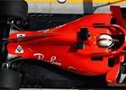 FIA se zaměří na mapování motorů, Vettel má na volantu záhadnou páčku