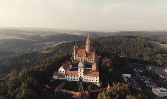 Hrad Bouzov patří státu, Německý řád definitivně prohrál