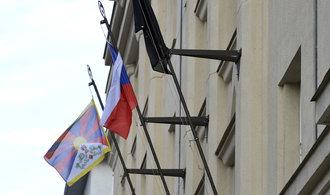 Policie neměla právo nařizovat sundání tibetských vlajek, rozhodl soud