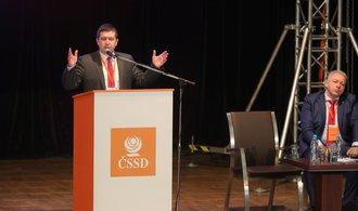 ČSSD uvažuje o vládě, hledá shody i s komunisty