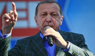 Evropská unie nám ze slíbených peněz poslala jen čtvrtinu, stěžuje si Ankara