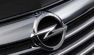 V kancelářích Opelu byla policie. Automobilku podezírá z podvodů s emisemi