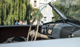 Slavný model 365 v Praze - Porsche vystavuje původní prototyp legendy