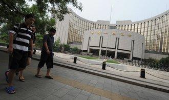 Čínská centrální banka do tamní ekonomiky náhle nalila téměř dva biliony