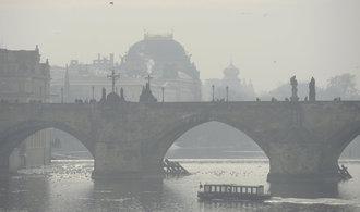 Smog zahalil Česko. Podívejte se na nejzajímavější fotky