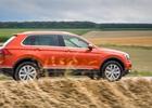 VW Tiguan 2.0 BiTDI: Pod�vejte se, jak zrychluje a co um� s telefonem