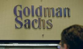 Zisk Goldman Sachs klesl, překonal však očekávání
