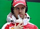 Vettel a modré vlajky? Fanoušci připravili písničku