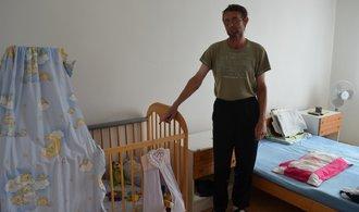 Kraje ruší kojenecké ústavy, i když vláda návrh na jejich postupný konec neschválila