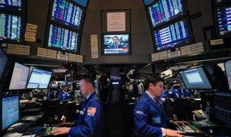 Na Wall Street je draho jako p�ed kriz�, v�ce za akcie zaplat� jen v D�nsku a Irsku