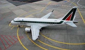 Aerolinky Delta a Lufthansa se přetahují o podíl v Alitalii, píše italský list