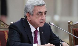 V Arménii odstoupil po masových protivládních protestech premiér