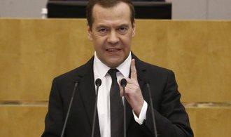 Medveděv se distancoval od článku o invazi ruských vojsk do Československa