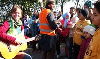 P�epo�teno: Do N�mecka loni p�i�lo jen 890 tis�c uprchl�k�
