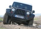 Armádní Jeep jsme zkoumali v postsovětských Milovicích. I v terénu