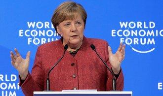 Mezinárodní organizace jsou důležité, musíme je ale reformovat, řekla Merkelová v Davosu