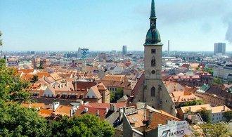 Slovensko si sáhlo na historický rekord: schodek veřejných financí klesl na dno