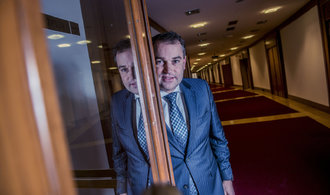 Lidi unás je snadné vyděsit tím, že jim někdo něco sebral, říká viceguvernér České národní banky