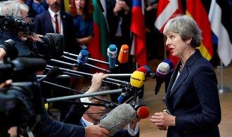 Mayová mluvila tak rychle, že jí nebylo rozumět, píše Bloomberg. Jednání o brexitu stále váznou