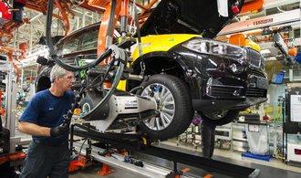 Kartel evropských automobilek bude mít nejspíš dohru, Jourová prosazuje hromadné žaloby na výrobce