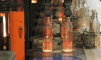 Největší výrobce lahví zavírá americkou továrnu. Nedávno investoval v Česku