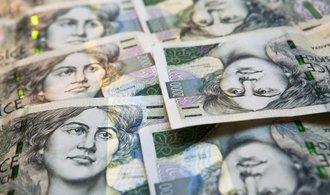 Koruna je vůči dolaru nejslabší od loňského června