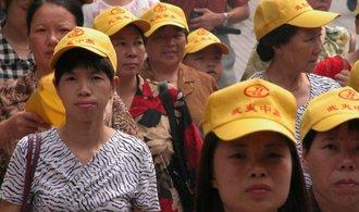 Turisté z Asie zavalili Prahu, letos jich zatím přijelo o čtvrtinu více než loni
