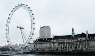 Britové evakuovali vyhlídkové kolo London Eye kvůli nálezu nevybuchlé bomby z války