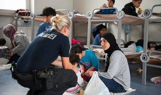 Většina Němců si přeje ukončení koalice, pokud se nenavrátí část migrantů, píše německý tisk