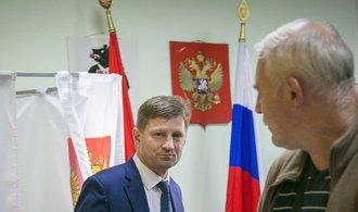 Vládní strana Jednotné Rusko prohrála další gubernátorské volby
