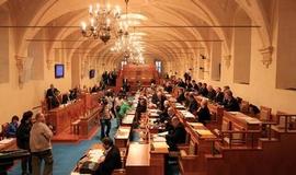Senátní volby zůstanou dvoukolové, změnu horní komora odmítla